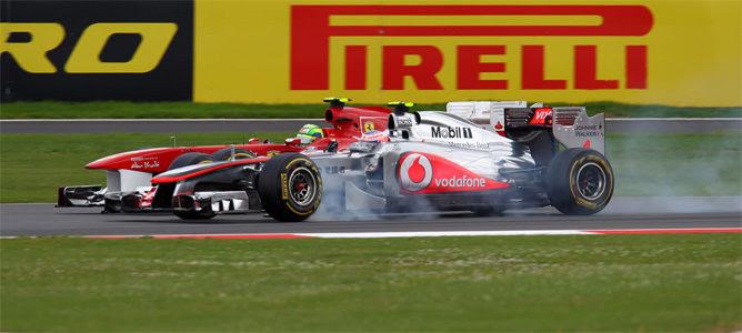 Adelantamiento Button Massa Silverstone 2011