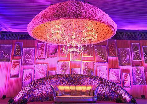 13 Magnificent Floral Installations By FNP Wedding
