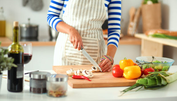 Η Δίαιτα της Διαίσθησης: Η νέα Διατροφή για Όσους Μισούν να Μετρούν Θερμίδες και να Ακούν όλο «μη»