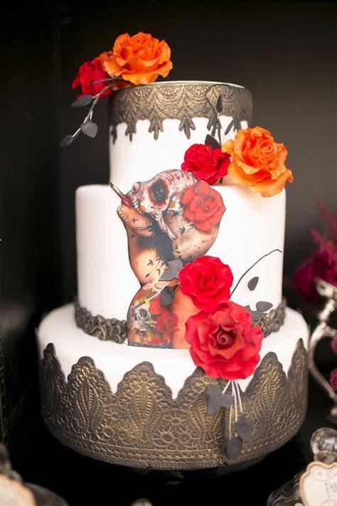 20 Beautiful Halloween Wedding Cake Ideas   Wohh Wedding