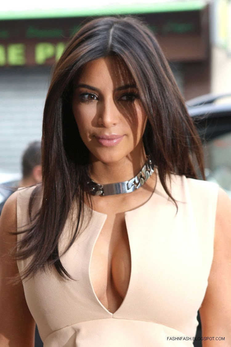 Kim-Kardashian-Hot-Cleavage-Candids-Out-and-About-in- Paris-Pictures-