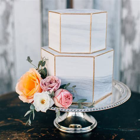 How to make a wedding cake   hitched.co.uk