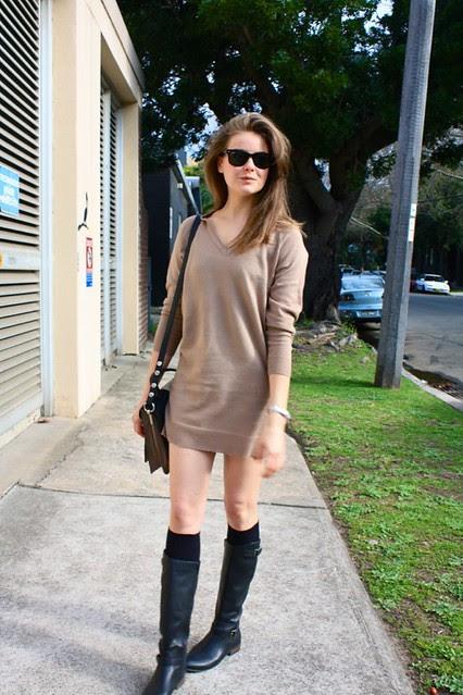sweater dress b
