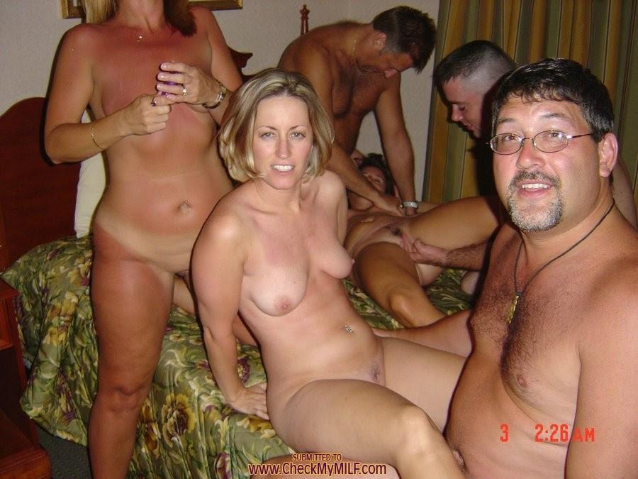 Amateur Wife Bukkake Party