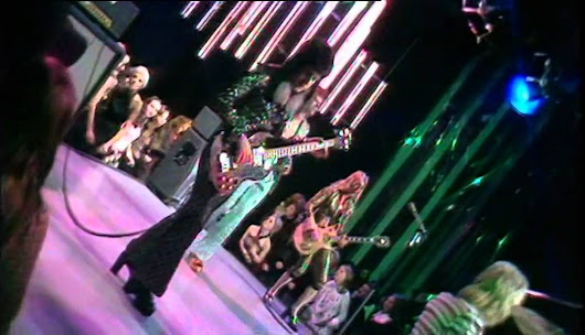 David Bowie performs 'The Jean Genie' on Top of the Pops