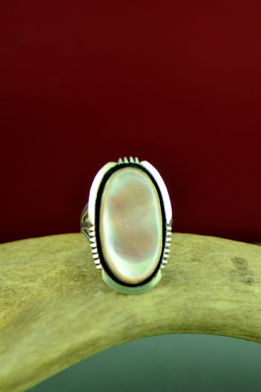 Navajo Pink Mother of Pearl Ring