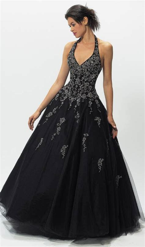 Gorgeous Wedding Dress: Gothic Wedding Dress