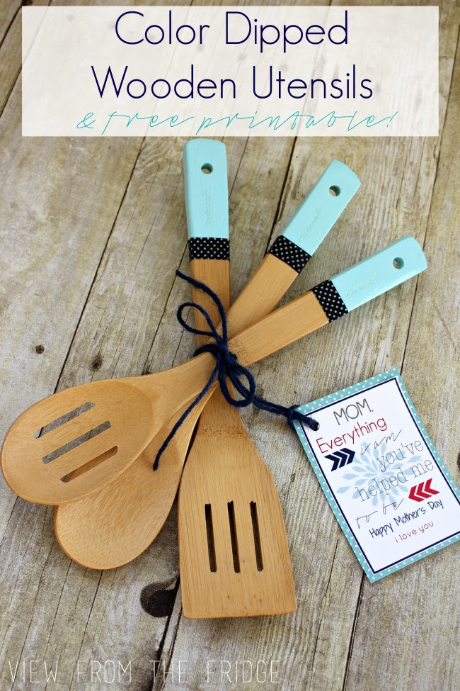 Oh My Creative diy-paint-dipped-wooden-utensils-pinvert