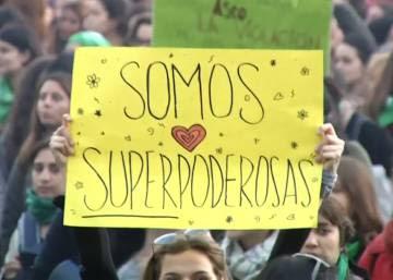 Una multitud clama contra la violencia machista y la complicidad estatal en Argentina