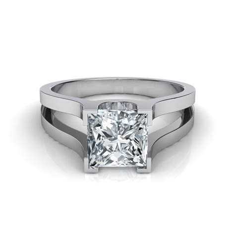 Exquisite wedding rings: Wide split shank engagement rings