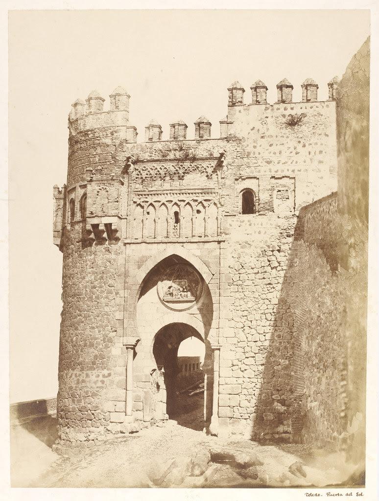 Puerta del Sol en 1858. Fotografía de Charles Clifford. Victoria and Albert Museum, London