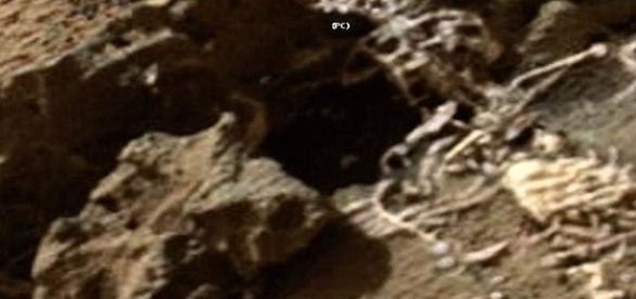 Resultado de imagem para O caçador de UFO afirma ter encontrado restos do Rei Marciano no Planeta Vermelho