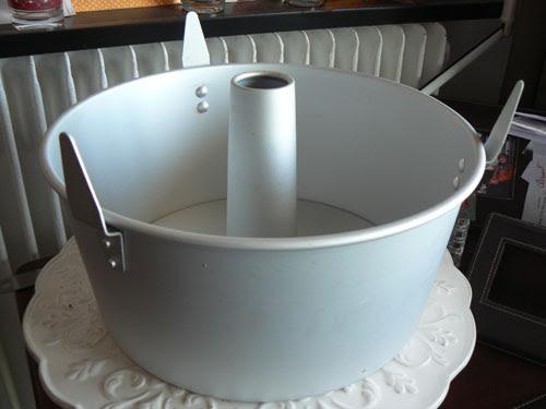 angel food cake pan.jpg