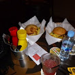 Best burgers in Barcelona: New Ryans Irish Pub