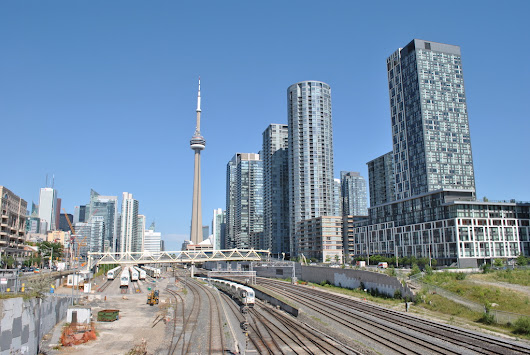 9 tips for buying profitable investment condos in Toronto