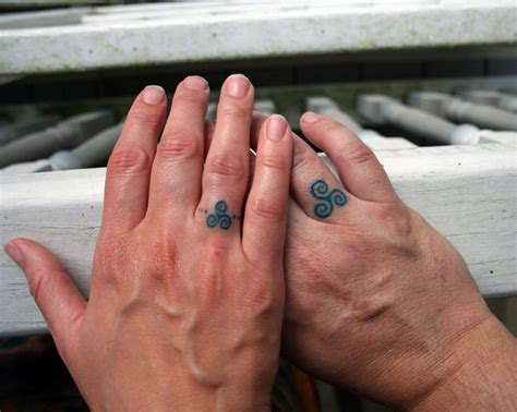 18 of the Best Wedding Ring Tattoos for Couples ? Wow Amazing