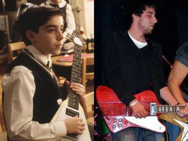 Joey Gaydos Jr. em 'Escola de rock' e em foto de 2012 (Foto: Divulgação/Facebook do ator)