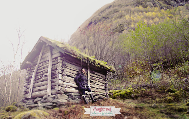 me on the way to Vettisfossen