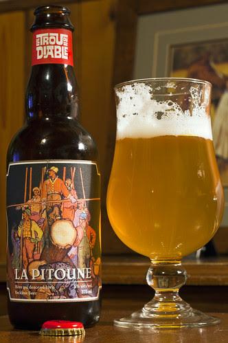 Review: Trou du Diable - La Pitoune Reckless Beer (Bière qui descend bien) by Cody La Bière