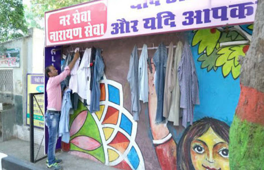 'Walls of Kindness' Are Popping Up Across India & They're Making Winter Warmer