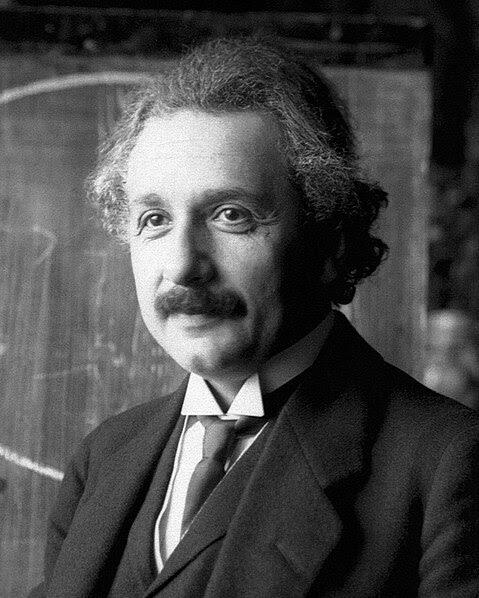 Ficheiro:Einstein1921 by F Schmutzer 4.jpg