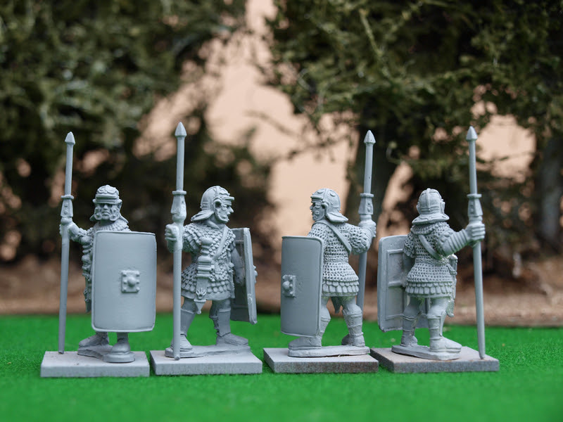http://www.aventineminiatures.co.uk/catalog/images/EIR18.JPG