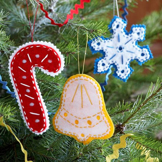 How to make jolly and beautiful felt Christmas tree ornaments