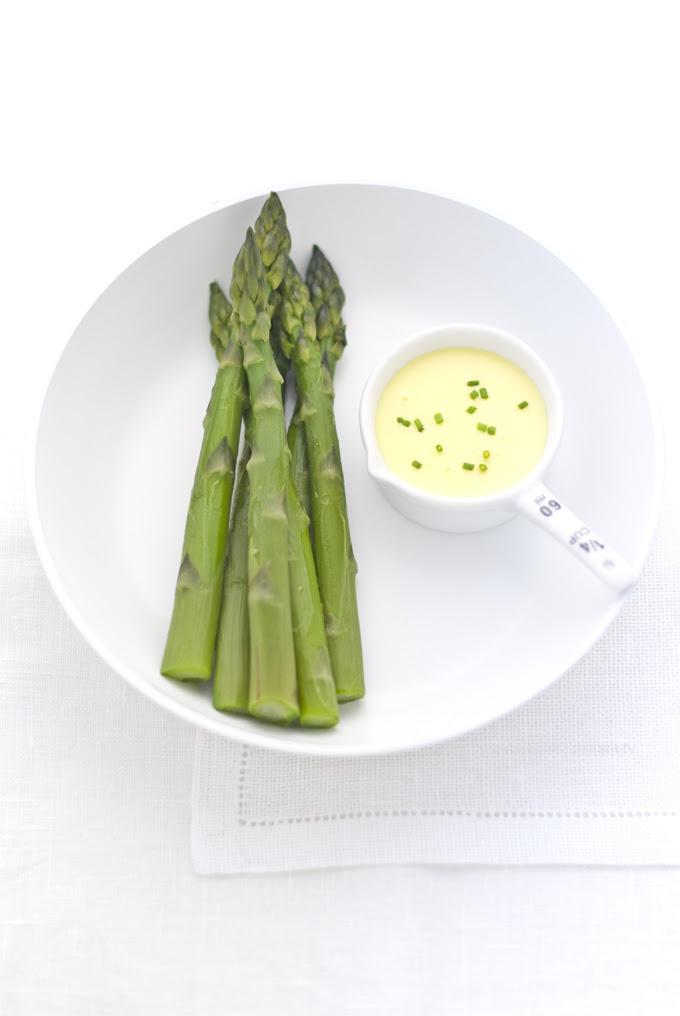 asparagi e salsa