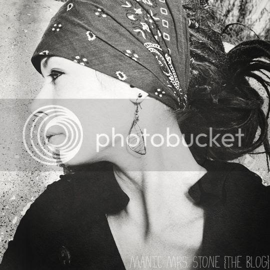 http://i1224.photobucket.com/albums/ee365/ManicMrsStone/2012/January/DSC_0079GUESTBLOG.jpg
