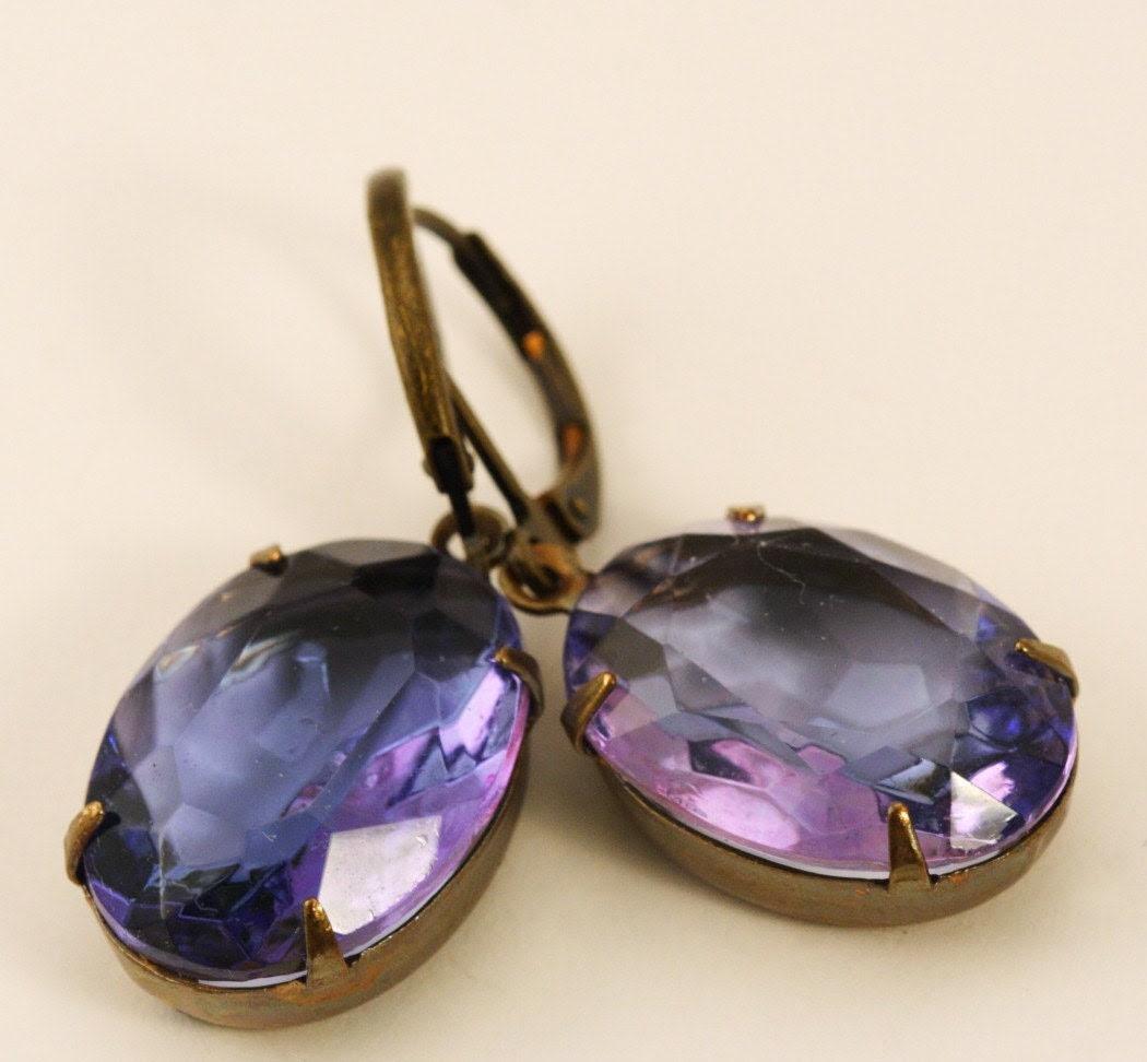Vintage Glass Jewel Earrings - Light Amethyst