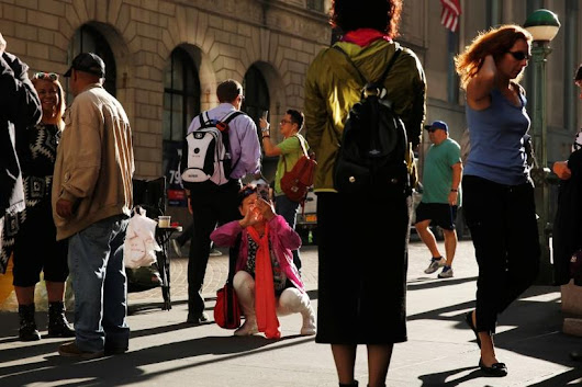 U.S. pedestrian deaths surge; experts see tie to cellphones