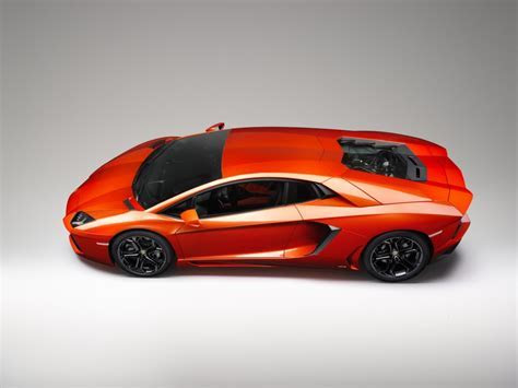 ¿Conocés todos los superdeportivos de Lamborghini?   Taringa!