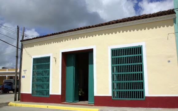 Casa Patrimonial cerca de la Parroquia Mayor. Serie Una ciudad testigo del tiempo.Foto: Daylén Vega/Cubadebate