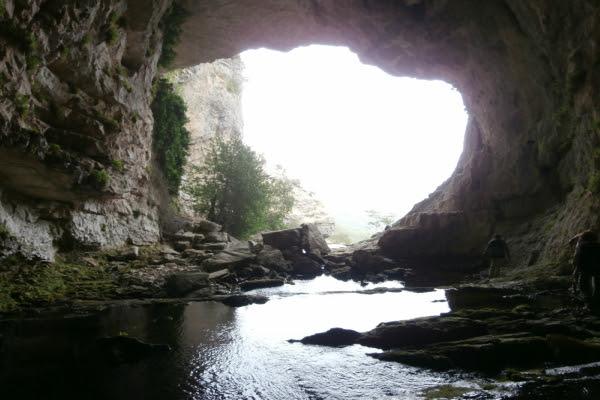 Resultado de imagen de Cueva de Los Chorros