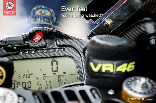Valentino Rossi - Eyes on You - Photo.GP