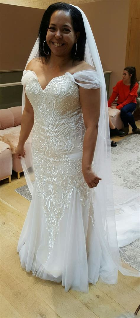 619 best weddings images on Pinterest   Bridal gowns