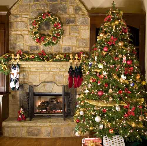 How to Decorate for Christmas on a Budget | Relocation.