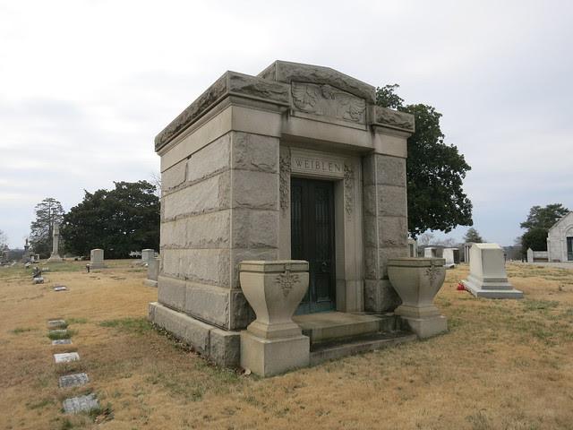 IMG_1386-2014-03-01-Westview-Cemetery-Weiblen-Mausoleum-has-Stained-Glass-Atlanta