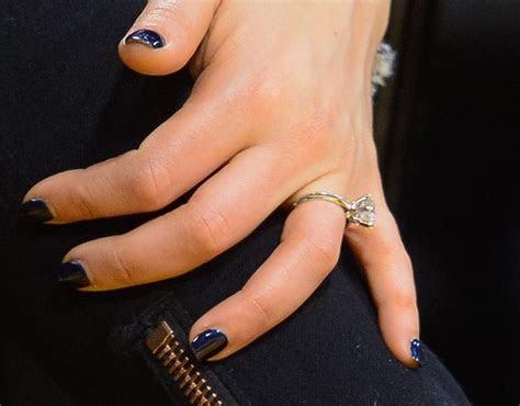 Team Wedding Blog See Mila Kunis's Beautiful Engagement Ring!