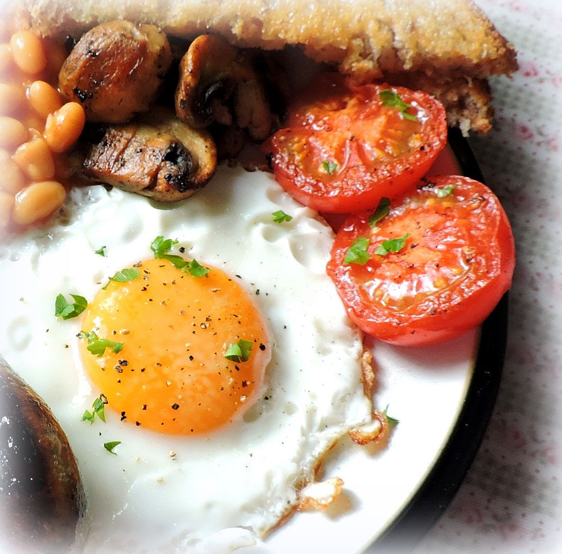 photo egg and grilled tomatoes_zpse8yne3al.jpg