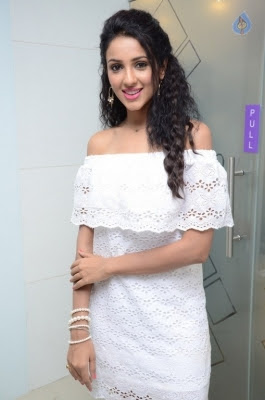 Priya Shri New Stills - 2 of 35