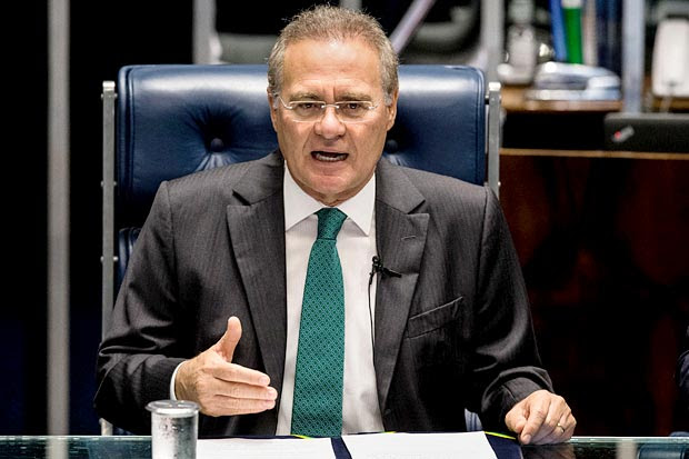BRASILIA, DF, BRASIL, 11-05-2016, 09h00: O presidente do Senado Renan Calheiros, chega para a sessao do impeachment da presidente Dilma Rousseff. (Foto: Eduardo Anizelli/Folhapress, PODER)