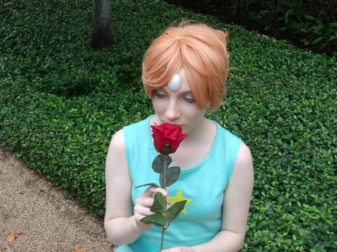 ! !!! I had such a good time at Comicpalooza with my friends this year!! My pearl had turned out much better than I had originally thought it would be 🌹 (I also got an amazing commission from...