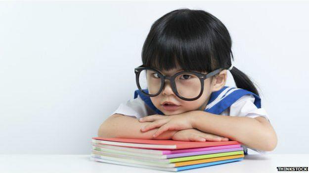 El estereotipo de la niña inteligente
