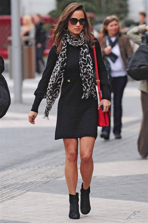 7 Ways to Wear Printed Scarves   Fashion