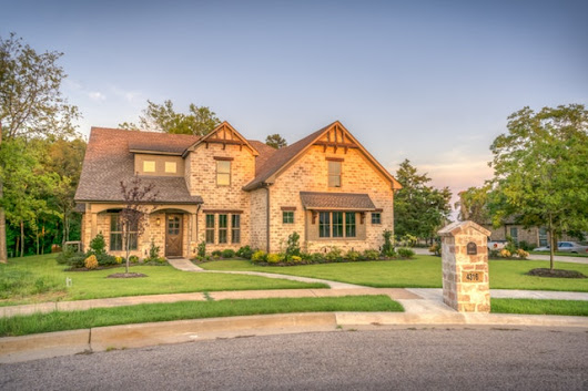4 Tips For Improving Your Homes Curb Appeal | MJ Homes MN