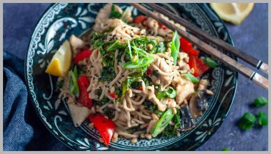 15 minute Chicken and Kale Stirfry with Wholegrain Noodles