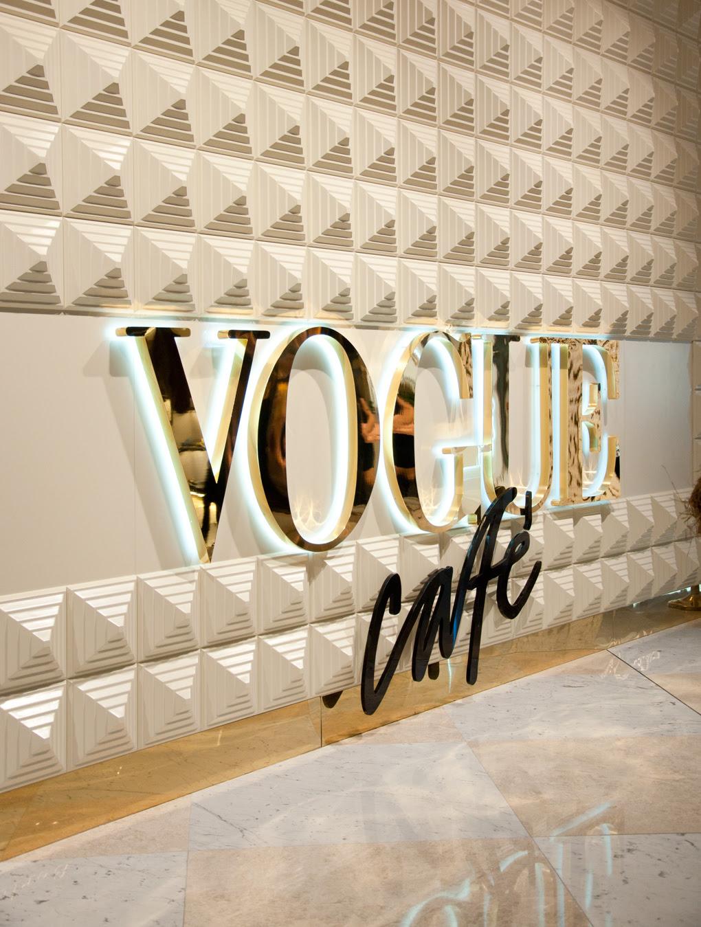 http://www.lylalovesfashion.com/wp-content/uploads/2013/10/Lyla_Loves_Fashion_vogue_cafe_dubai_reviewSC_0948.jpg