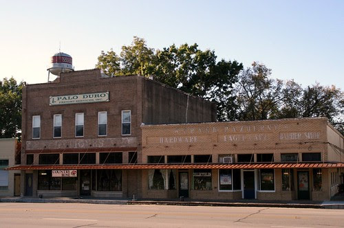 buildings in wallis, texas
