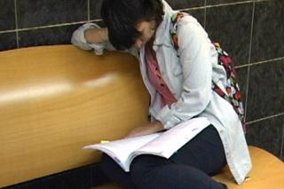 Los recortes y la falta de alumnos llevan a la Universidad Rey Juan Carlos a suprimir diez titulaciones.
